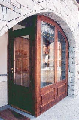 Un esempio di bussola per esterno.